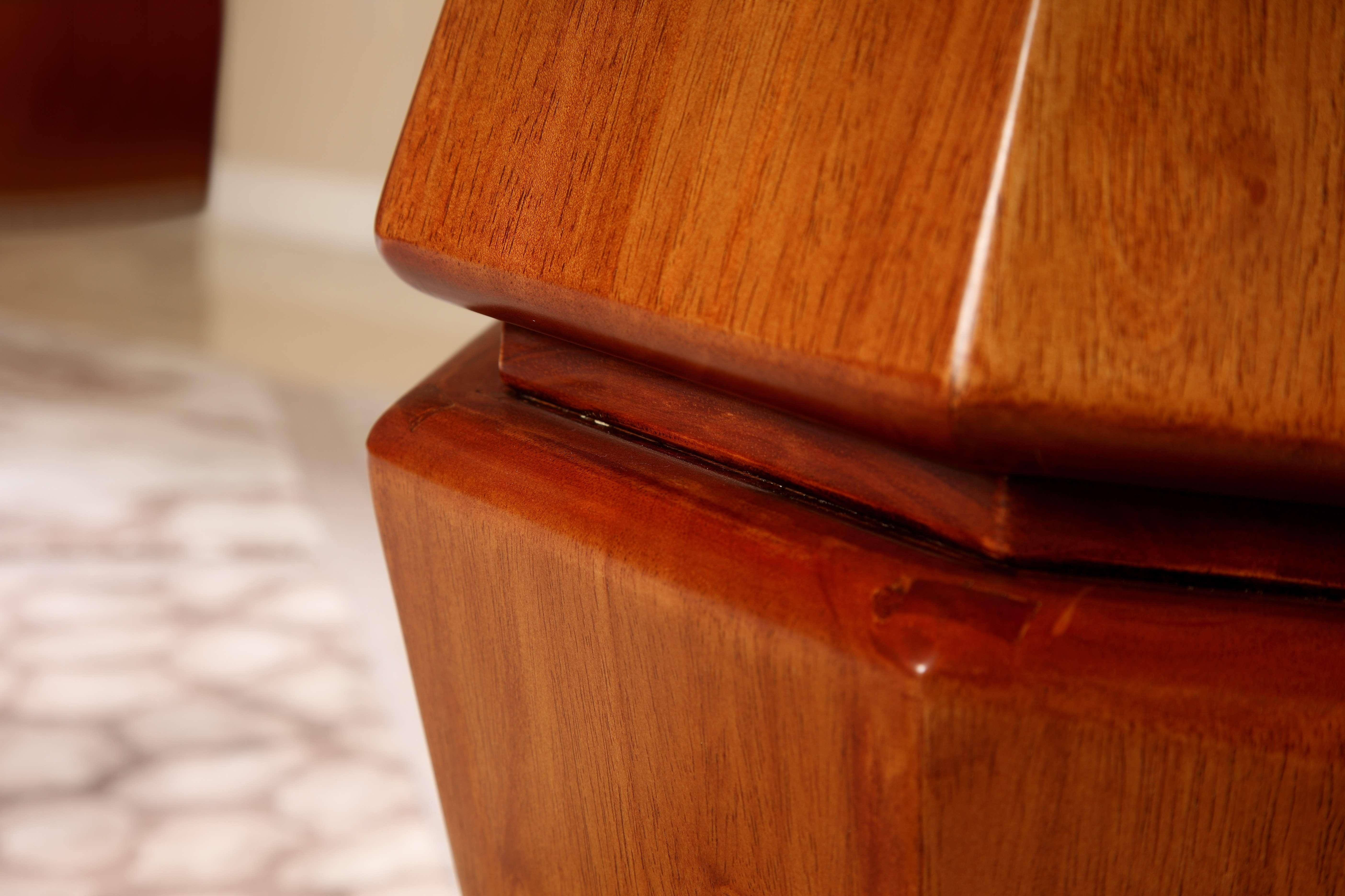 【木色天香】南洋芯木圆形餐桌+餐椅组合